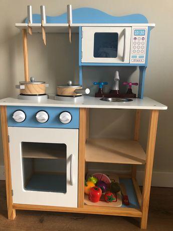 Drewniana kuchni dla dzieci