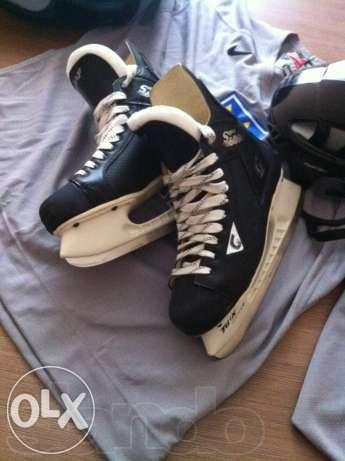 Продам хоккейный набор (форма)