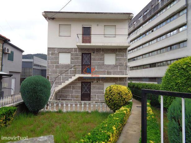 Prédio com 3 apartamentos tipo T3