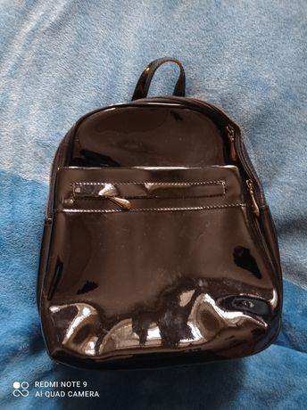 Продам рюкзак женский