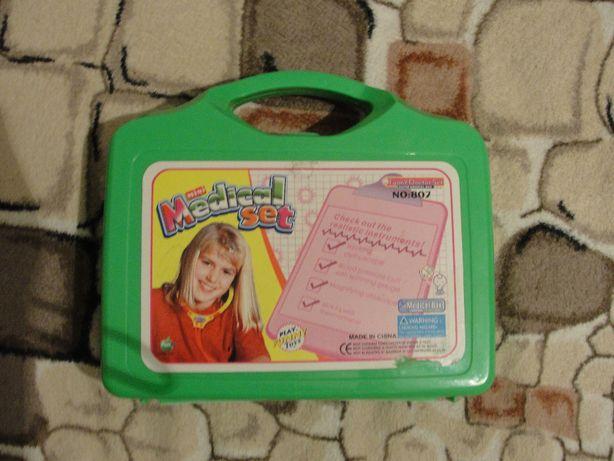 детский игрушечный набор доктора