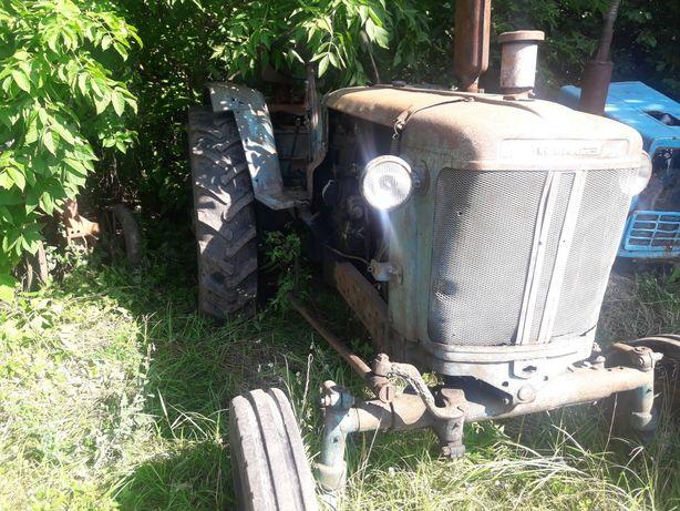 Продам трактор юмз