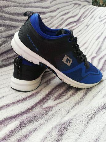 Спортивні кросівки iQ