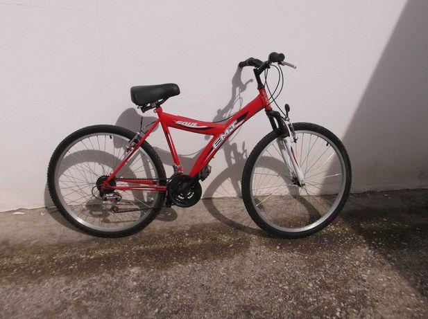 Bicicleta roda 24 com mudanças 3 pratos e 6 carretos