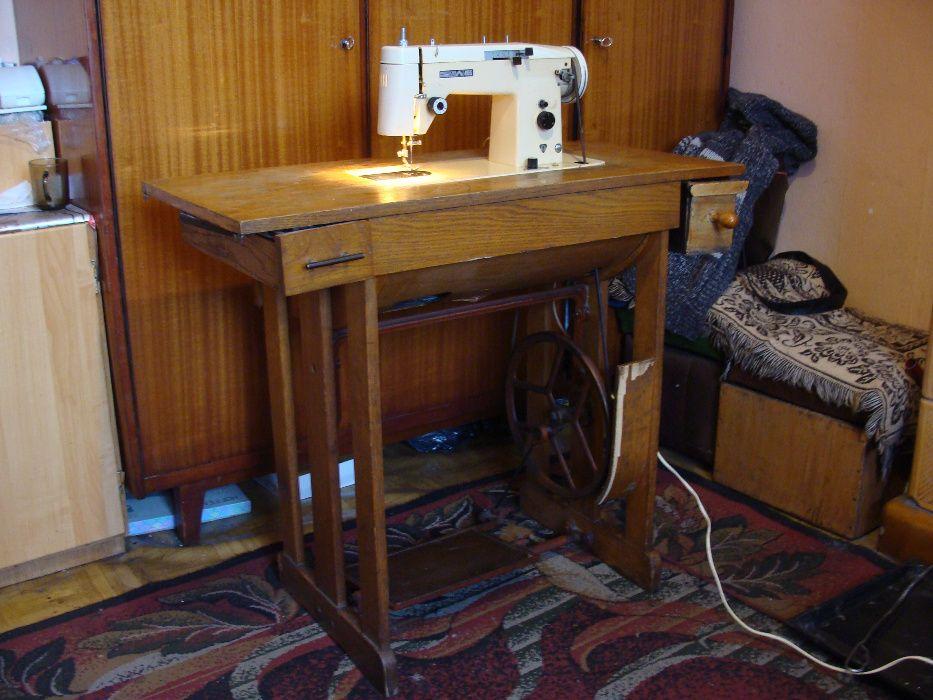 Stara maszyna do szycia Predom Łucznik 465 (prosze czytać opis) Górki Noteckie - image 1