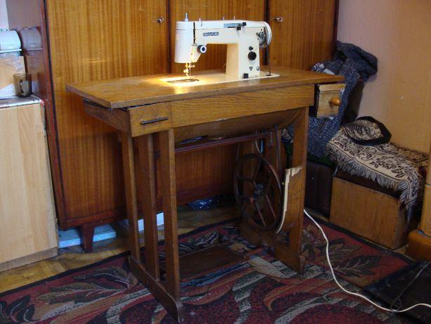 Stara maszyna do szycia Predom Łucznik 465 (prosze czytać opis)