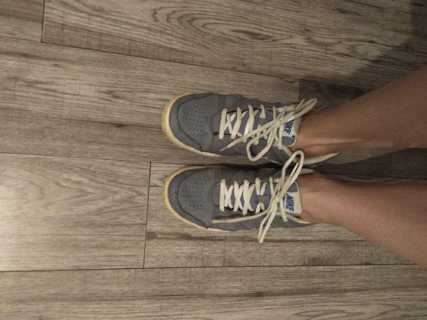Кроссовки на мальчика Nike
