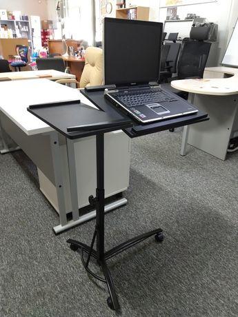 Stolik pod laptopa, rzutnik, projektor