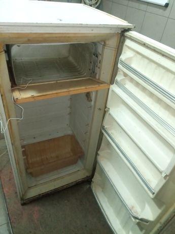 Срочно холодильник для строителей