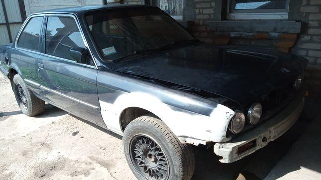 Продам или обменяю BMW e30 318