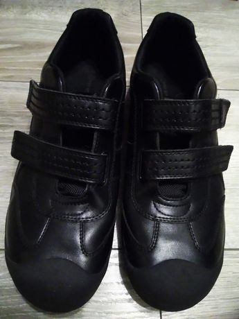 Buty młodzieżowe M&S