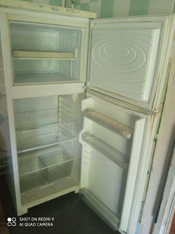 Холодильник Дніпро