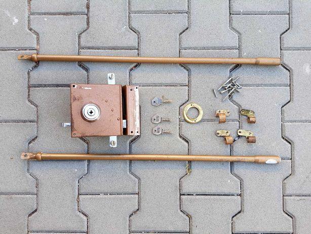 Fechadura de segurança com 2 trancas e canhão de 4 entradas - direita