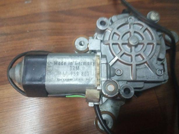 Моторчик стеклоподйомника Ауді(AUDI)