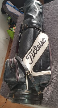 Vários sacos para guardar tacos de golfe
