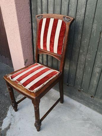 stare drewniane krzesło