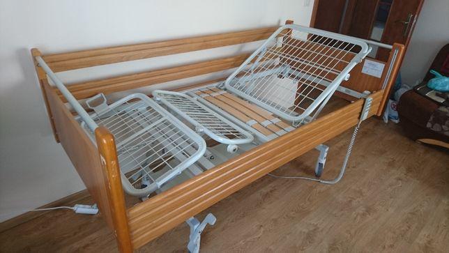 stalowe łóżko rehabilitacyjne z drewnem