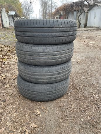 Продам Goodyear EfficientGrip 185.60R15