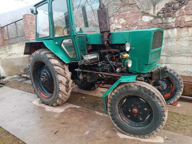 Трактор ЮМЗ 6 ,СМД.