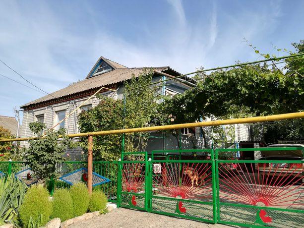 Продам дом в смт Широком