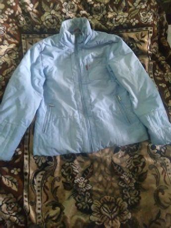 отдам голубую курточку