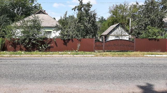Продам будинок з участком 9000$ с .Сухоліси