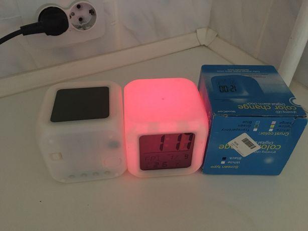 Часы будильник с термометром с led подсветкой