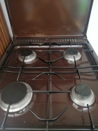Kuchenka gazowa cztero palnikową