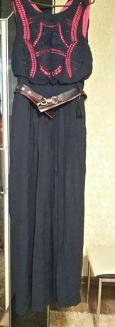 Очень красивое платье 1200 р