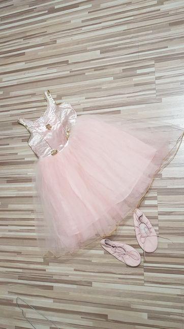 LADYBIRD sukienka 4-7lat+ baletki.