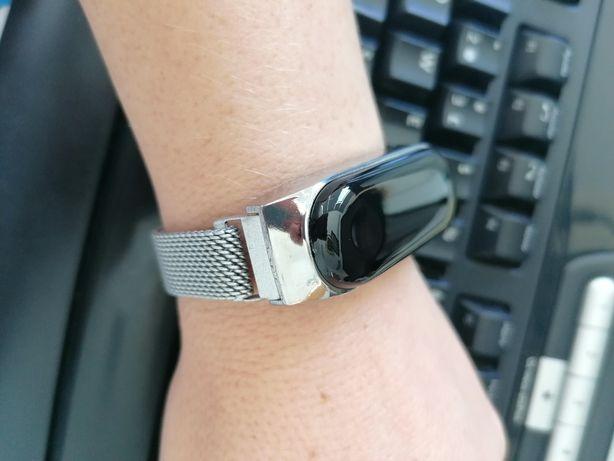 Relógio digital prateado novo