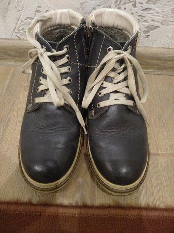 Продам зимові черевики чоботи для хлопця