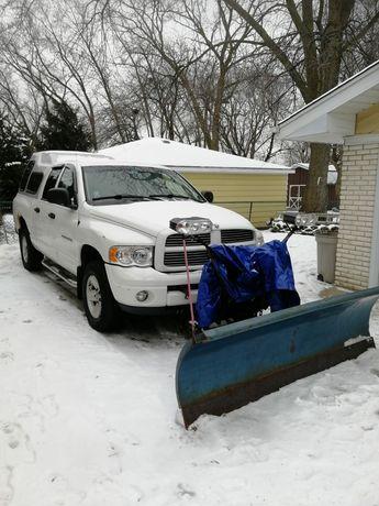 Pług do śniegu hydrauliczny