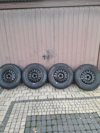 Felgi z oponami stalowe 4szt 215/70R16 5x114,3 et45 6'5 zimowe Hyundai