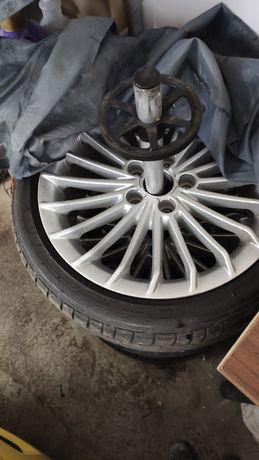 Opony letnie Bridgestone 4szt 215 40 R17 ładne