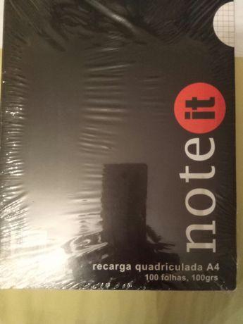 Recarga quadriculada A4 100 folhas - 0,80€