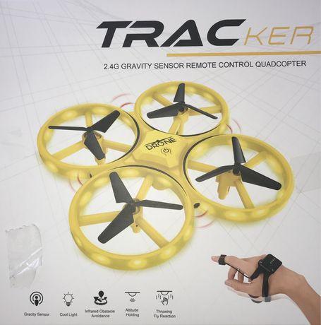 Квадрокоптер TRACKER с сенсорным управлением