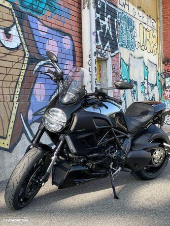 Ducati Diavel CROMO única moto nacional matriculada exclusiva