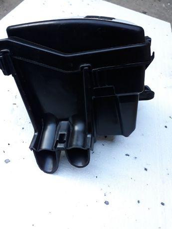Obudowa skrzynki bezpieczniķów Captur Clio lV