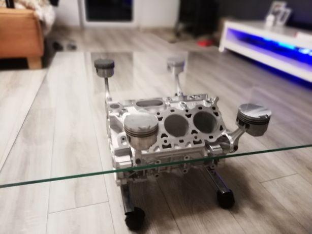 Stolik V6 aluminium + blat szkło 80x80
