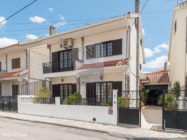 Moradia a 30 min de Lisboa   T5   Urbanização Guizanderia...