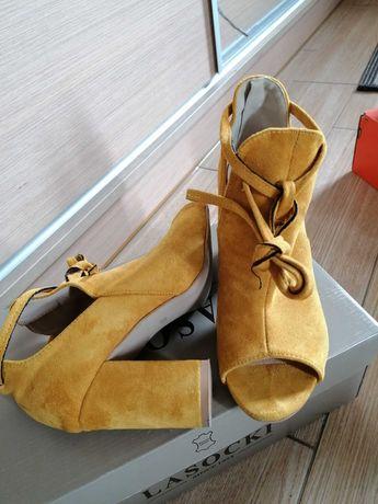 Sandały miodowe na słupku j nowe