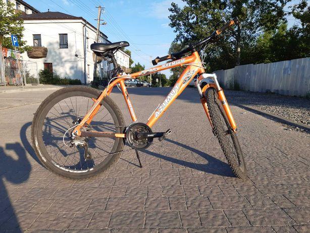 Велосипед в чудовому технічному стані