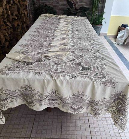 Toalha de mesa gigante e espetacular, da Ilha da Madeira