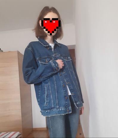 Джинсовая удлинённая куртка Bershka