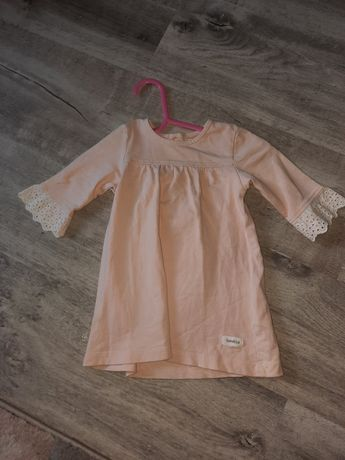 Sukienka newbie z małą plamką