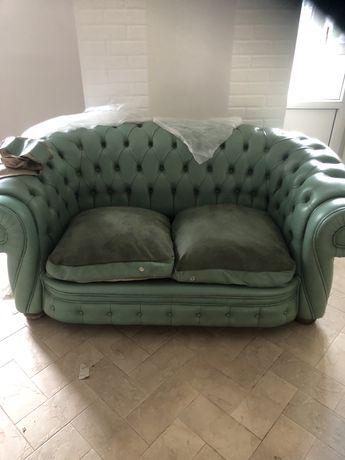 Любимый кожаный   итальянский диван честер ( раскладной)