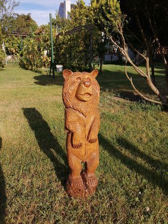 Rzeźba niedźwiadek niedźwiedź
