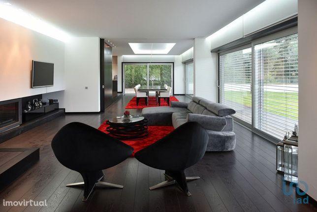 Moradia - 450 m² - T4