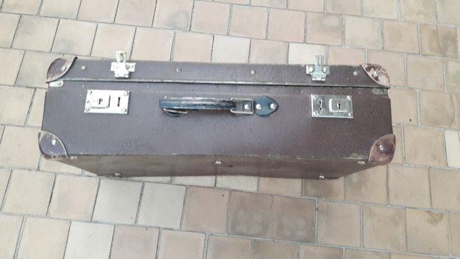 Zabytkowa Stara walizka